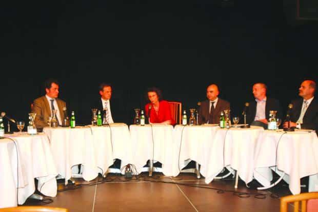 Die Qual der Wahl steht an zwischen ihnen (v. li.): Horst Meierhofer, Ludwig Artinger, Eva Schmid, Jürgen Mistol, Joachim Wolbergs und Hans Schaidinger.Foto: Staudinger