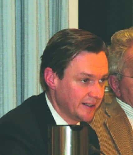 """Er hatte als erster reagiert: Gero Kollmer, früher CSU, jetzt CSB, setzte sich dafür ein, dass die Sitzung öffentlich war. Mit seinen Fragen biss er auf Granit. Sein Fazit: """"Herr Schaidinger, unser Fehler war, dass wir Ihnen zu lange vertraut haben."""""""
