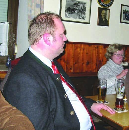 "War kurz da, beäugte Franz Rieger, musste dann zum nächsten Termin: Stadtrat und ""junger Ortsvorsitzender"" Christian Schlegl.Foto: Aigner"