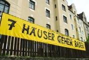 2006 wehrten sich die Wöhrdler noch gegen das fragwürdige 7-Häuser-Projekt. Einige sind mittlerweile resigniert und weg gezogen. Statt den sieben Häusern geht nach und nach ein gewachsenes Viertel baden.