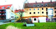 Bis zur Klärung der Ursache konnte die Unfallstelle in der Kriemhildstraße nicht geräumt werden. Foto: Staudinger