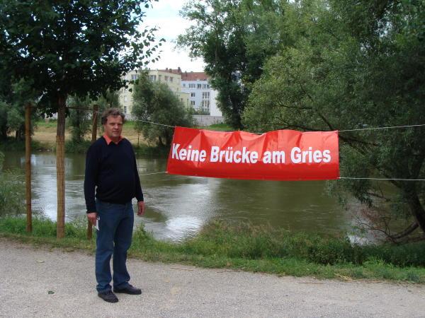 Walter Cerull hält Joachim Wolbergs Wählerbetrug vor. \