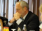 """Mehr Stellen für Weiterbildung oder nicht, das ist für Hermann Hage eine \""""politische Frage\"""". Foto: Aigner"""