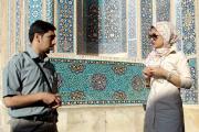 Der Ingenieur Reza Razavi vom Institut für Architektur in Yazd im Gespräch mit der in Deutschland ausgebildeten Architektin Nasim Karizi über Prinzipien der Architektur im Islam und der Funktionsweise von Windtürmen.