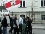 Der Kopf der Regensburger Neonaziszene Wiener (3. v.l.) bei einem Aufmarsch \
