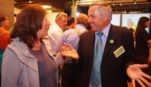 Grünen-Kandidat Jürgen Huber mit MdL Maria Scharfenberg. Foto: Staudinger