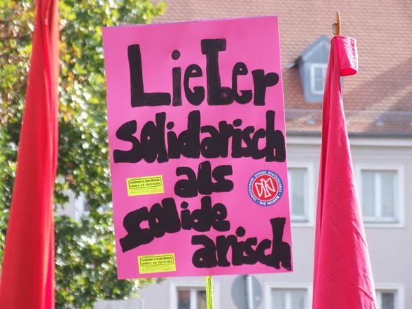 Gegendemonstration: Lieber solidarisch ... Foto: as
