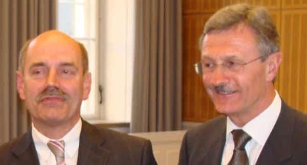Tritt in der (Medien)öffentlichkeit stets als freundlicher und jovialer Bürgermeister auf: Gerhard Weber (re im Bild mit OB Schaidinger).