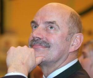 Das hat er doch nicht ahnen können, oder? Alt-Oberbürgermeister Hans Schaidinger. Foto: Archiv/ Staudinger