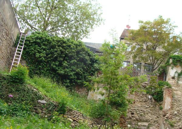 Umstrittene Entscheidung: Die Bebauung des Stadtgrabens am Peterstor (hier ein Foto von 2010). Foto: Archiv
