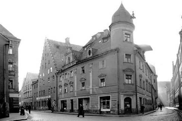 Abgerissen, um die Umfahrung des Kolpinghauses zu ermöglichen: Eckhaus an der Ostengasse. Foto: Edition Bunte Hunde