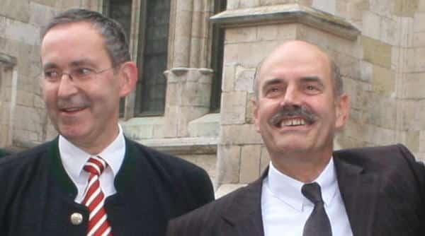 Machten die Debatte um das Colosseum zur Farce und halten sich jetzt einfach raus: Kulturreferent Klemens Unger und Oberbürgermeister Hans Schaidinger. Foto: Archiv