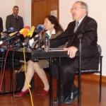 Keine Antwort, keine Stellungnahme: Die Missbrauchsbeauftragte Birgit Böhm mit Bischofssprecher Clemens Neck (Pressekonferenz im Jahr 2010). Foto: Archiv
