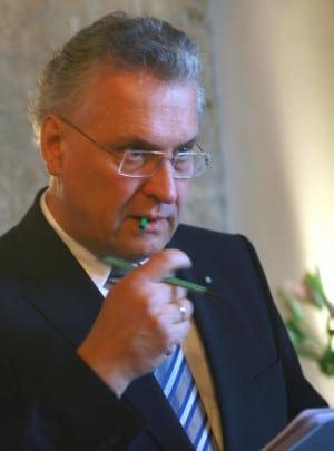 Windet sich um eine Antwort herum: Joachim Herrmann (CSU). Foto: Archiv/ Staudinger