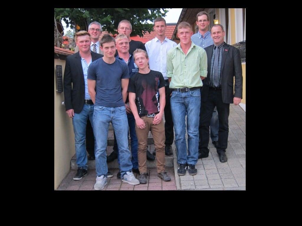 Bauinnung spricht 70 auszubildende los regensburg digital - Fliesenleger schwandorf ...