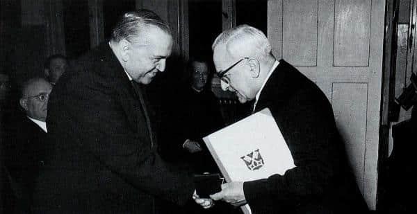 BVP, NSDAP, CSU und immer auch Katholik: Bürgermeister Hans Herrmann (re., mit Domkapellmeister Theobald Schrems). Foto: privat