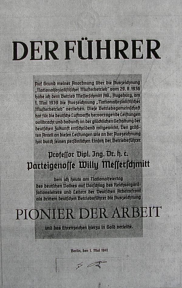 """Willy Messerschmitt: Mehrfach von den Nazis ausgezeichnet, hier als """"Pionier der Arbeit""""."""