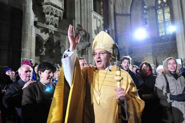 Wohlwollender Empfang und hohe Erwartungen: Bischof Rudolf Voderholzer. Foto: Staudinger