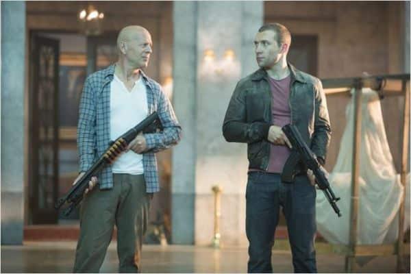 Father and son: John McClane rettet seinen Sohn und gleichzeitig die Welt. (c) Fox Deutschland