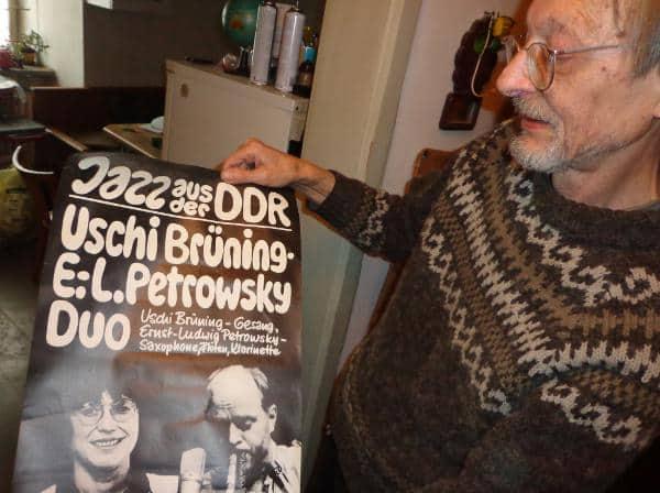 Alle gesammelt und in seiner WG verstaut: Plakate aus dem Jazz-Club Kneiting.