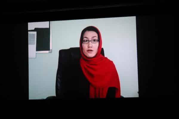 Durfte nicht nach Deutschland einreisen und kommunizierte per Videobotschaft: Kuratorin Mariam Mana.