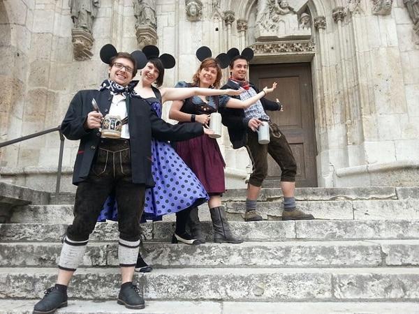 """Das """"Projekt Sichere Altstadt"""" erntet neben scharfer Kritik auch Spott, hier vonseiten der Regensburger Piraten. Foto: Rosalie Dryjanski"""