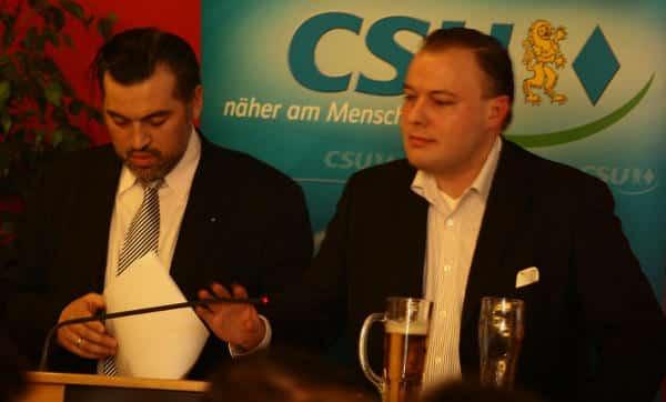 Der neue CSB-Chef André Schreiber: Einst war er Intimus von Franz Rieger, CSU-Justitiar, gern gewählter Versammlungsleiter: Hier entzieht er gerade Konrad Brenninger (CSU/ Bürger für Regensburg) das Wort. Foto: Archiv/ Staudinger