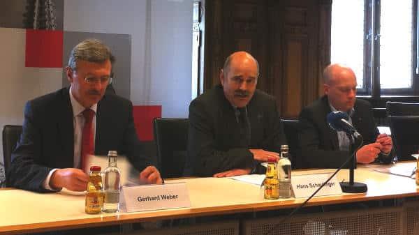 Dagegen, dafür, dafür: Gerhard Weber, Hans Schaidinger und Joachim Wolbergs zur Nutzung des alten Von Müller Gymnasiums. Foto: Archiv