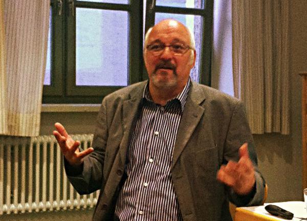 Der Manager Der Mortalitat Und Die Marketenderin Der Todeswaffen Regensburg Digital