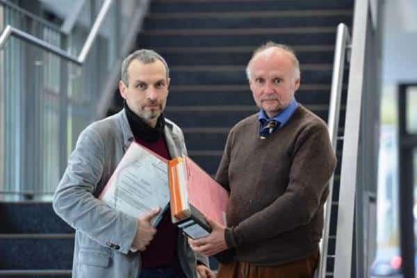 Berichtete über eine Parteispende und steht jetzt im Fokus einer breit angelegten Ermittlung: der Passauer Journalist Hubert Denk (li.) mit seinem Rechtsanwalt Dr. Klaus Rehbock. Foto: pm