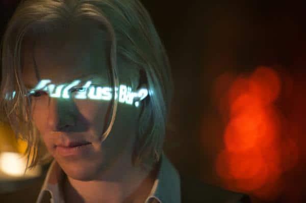 Und dann hat Assange das gemacht... Foto: pm