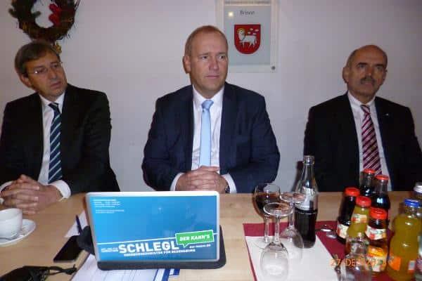 Trias der Selbstzufriedenheit: Franz Rieger, Christian Schlegl und Hans Schaidinger. Foto: as