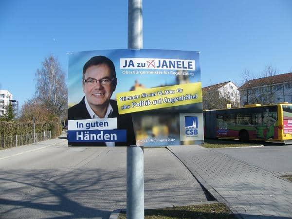 """""""Nicht mit dem Vorstand abgestimmt"""": die neuen Janele-Plakate."""