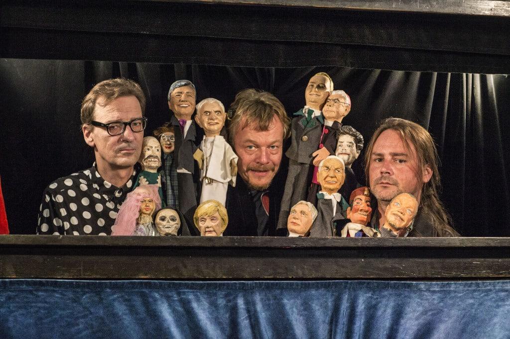 Die Stars des Theaters Larifari, dazwischen von links nach rechts: Axel Balzereit, Christoph Maltz und Sebastian Haimerl. Foto: Hubert Lankes