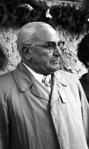 Ein Bürgermeister und Spezlwirtschafter für jedes System: Hans Herrmann kurz vor seinem Tod im Jahr 1959. Foto: Stadt Regensburg