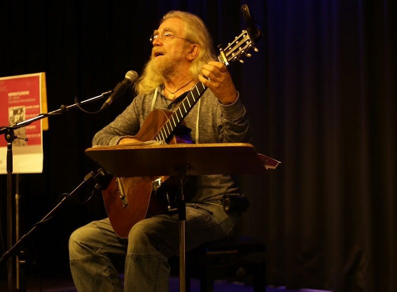 Jaroslav Hutka, Liedermacher und politischer Aktivist, war am Dienstag zu Gast in Regensburg. Fotos: ld.