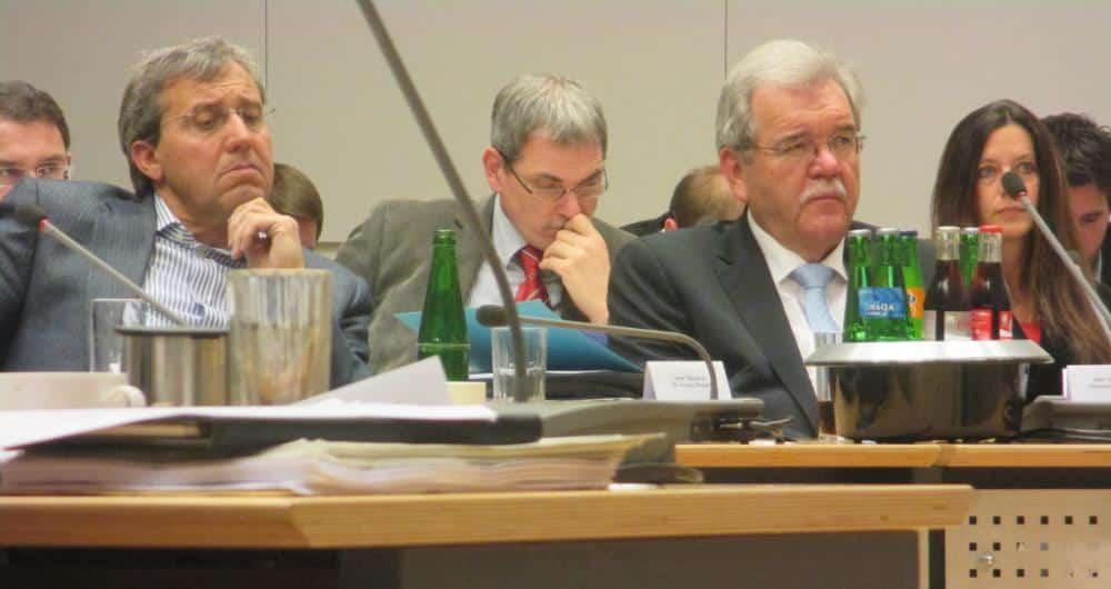 Im Zentrum der Kritik: CSU-Fraktionschef Hermann Vanino (3.v.l.). Foto: as