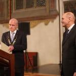 Jetzt beide im Visier der Staatsanwaltschaft: Joachim Wolbergs und Hans Schaidinger (hier bei der Verleihung der Ehrenbürgerwürde an den Alt-OB). Foto: Archiv/ Liese