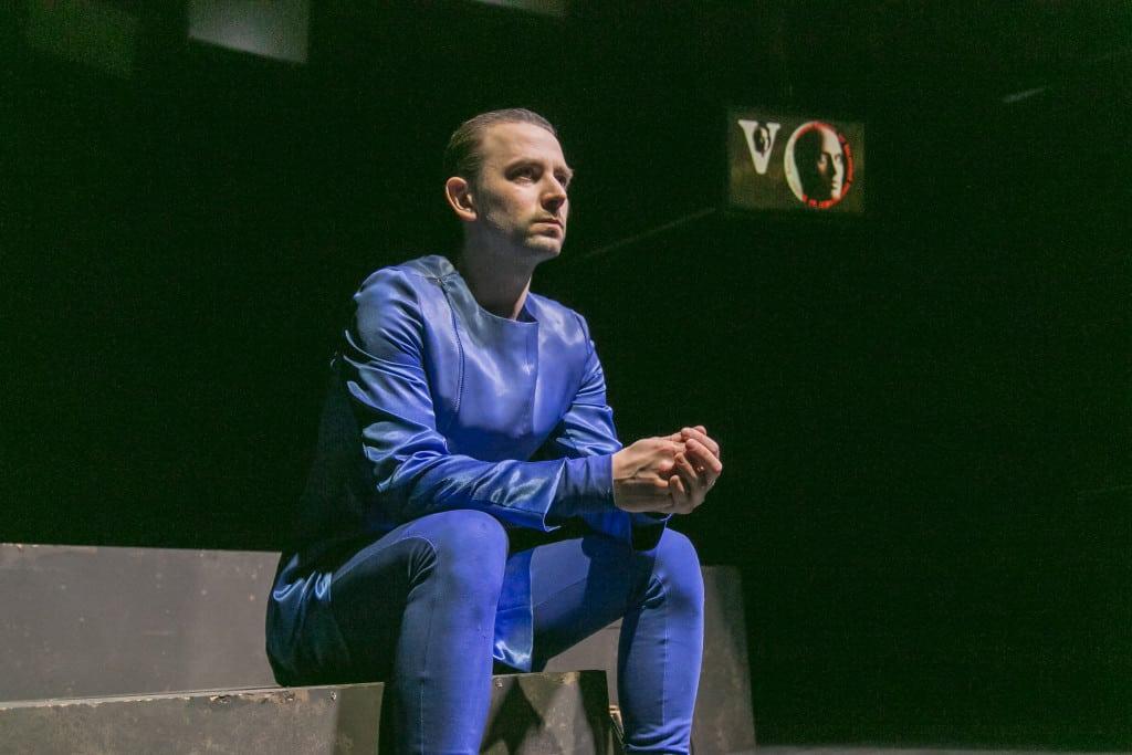 1984 - ein Albtraum: nicht nur für Winston Smith (Felix Steinhardt), sondern auch für die Zuschauer. Fotos: Jochen Quast