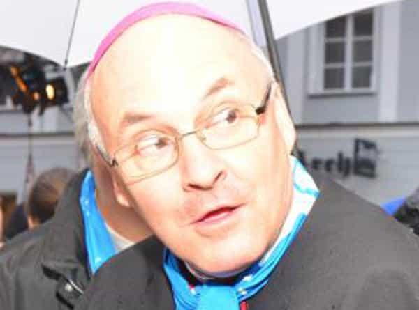 Leidender in der Wagenburg: Bischof Rudolf Voderholzer. Foto: Archiv/ Staudinger