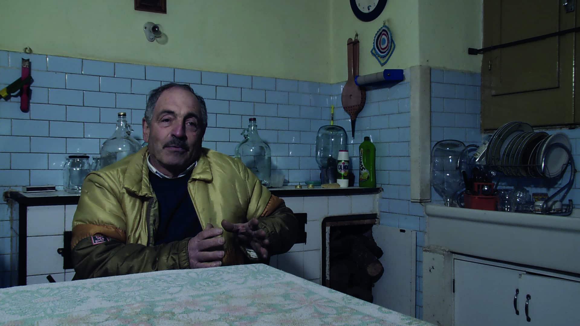 """Im Film """"The Wounded Brick"""" werden menschliche Lebensentwürfe im Spannungsfeld zwischen Wirtschaft und Politik beleuchtet. Filmstills: mediart01films."""