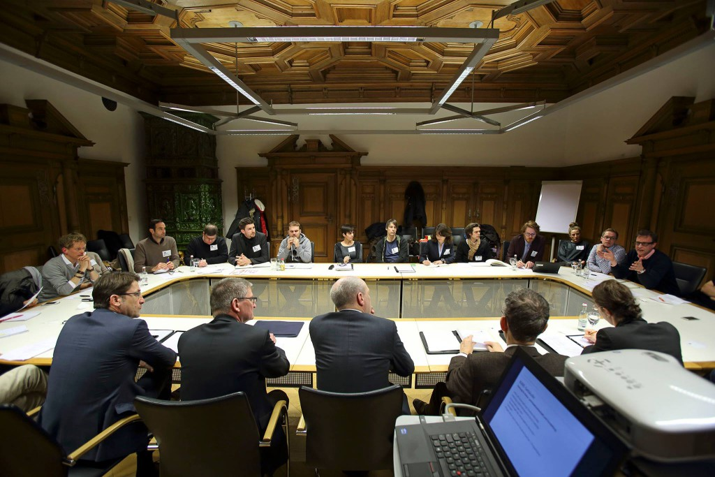 Hat klare Forderungen an das Kreativforum: OB Joachim Wolbergs (hier bei einem ersten Treffen mit Vertretern des Forums). Foto: Archiv/ Stadt Regensburg