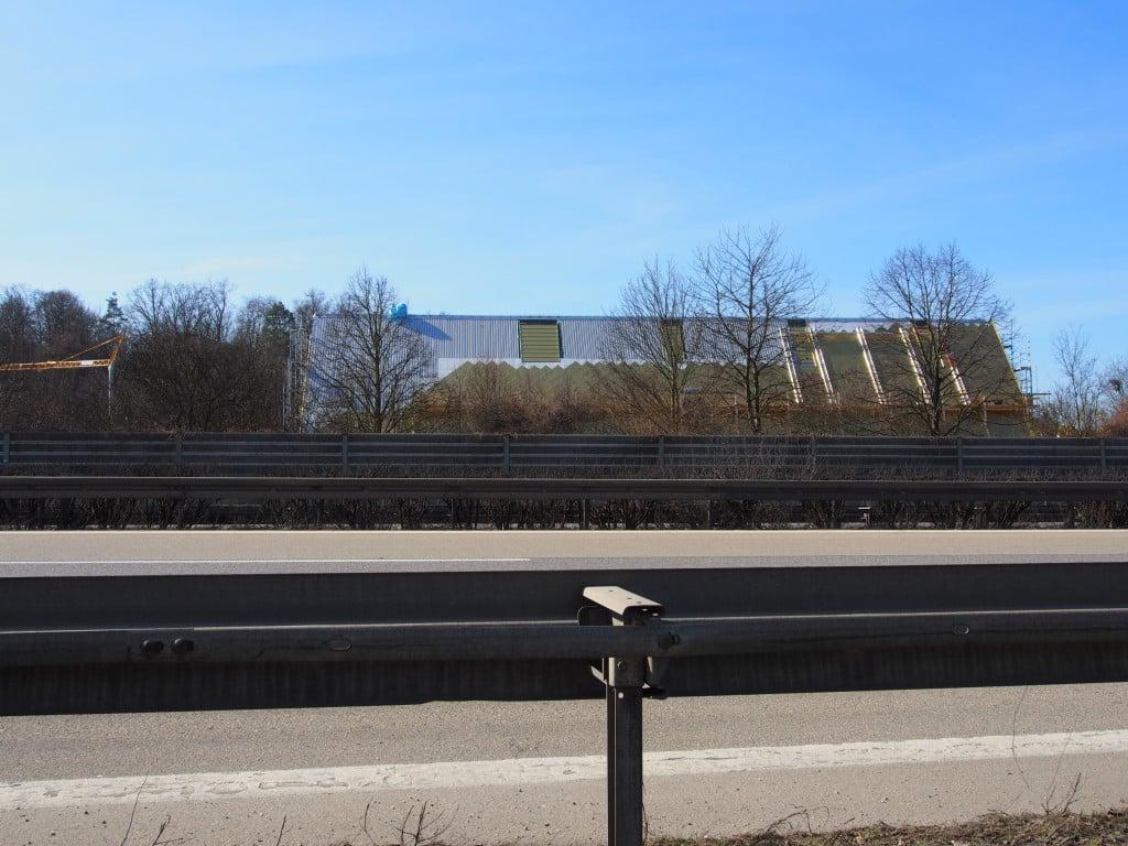 Schon von weitem kündet das güldene Dach vom Glanz der Marktgemeinde Lappersdorf. Fotos: as