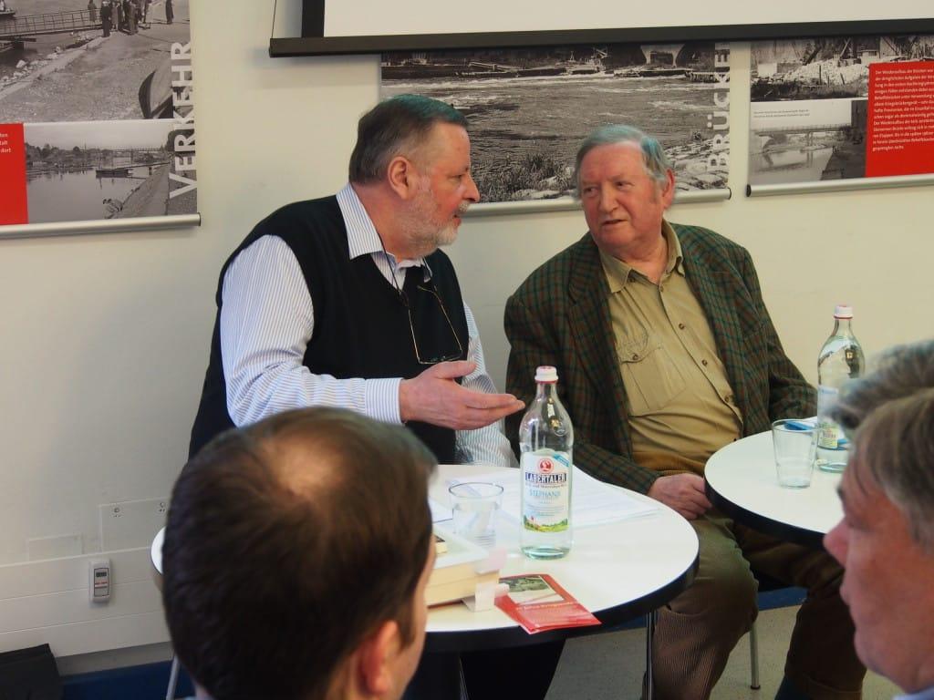 Angriffen ehemaliger Bundeswehrsoldaten ausgesetzt: Peter Eiser und Günther schießl. Foto: wr