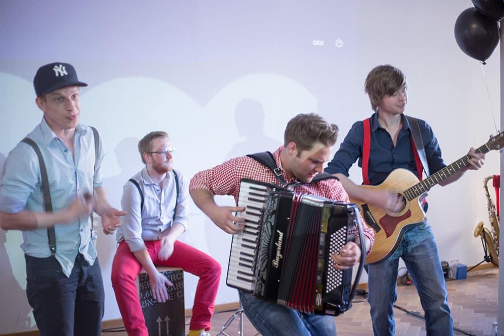 Die Band Almost Heart-Chor sorgte für die musikalische Untermalung.