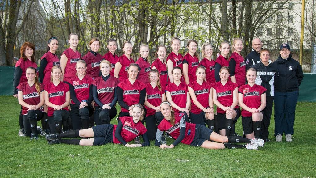 Am Wochenende starten die beiden Softball-Damenmannschaften der Buchbinder Legionäre in ihre Bayernliga bzw. Landesligasaison. Foto: Walter Keller.
