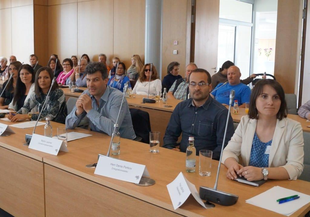 v.r. Lydia Keil, Denis Perkow (beide Integrationsstelle LRA), Martin Laumer (Sozialamt), Stanislawa Perkova, Yvonne Hruby