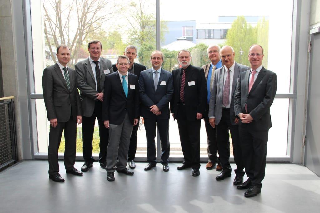 Von links: Dr. Fried Eckard Seier, Dr. Michael Ziereis, Dr. Dr. Helmut Hausner, Prof. Dr. Hermann Spießl, Prof. Dr. Thomas Baghai, Prof. Dr. Manfred Wolfersdorf, Dr. Matthias Dobmeier, Prof. Dr. Wolfgang Schreiber und Prof. Dr. Rainer Rupprecht.
