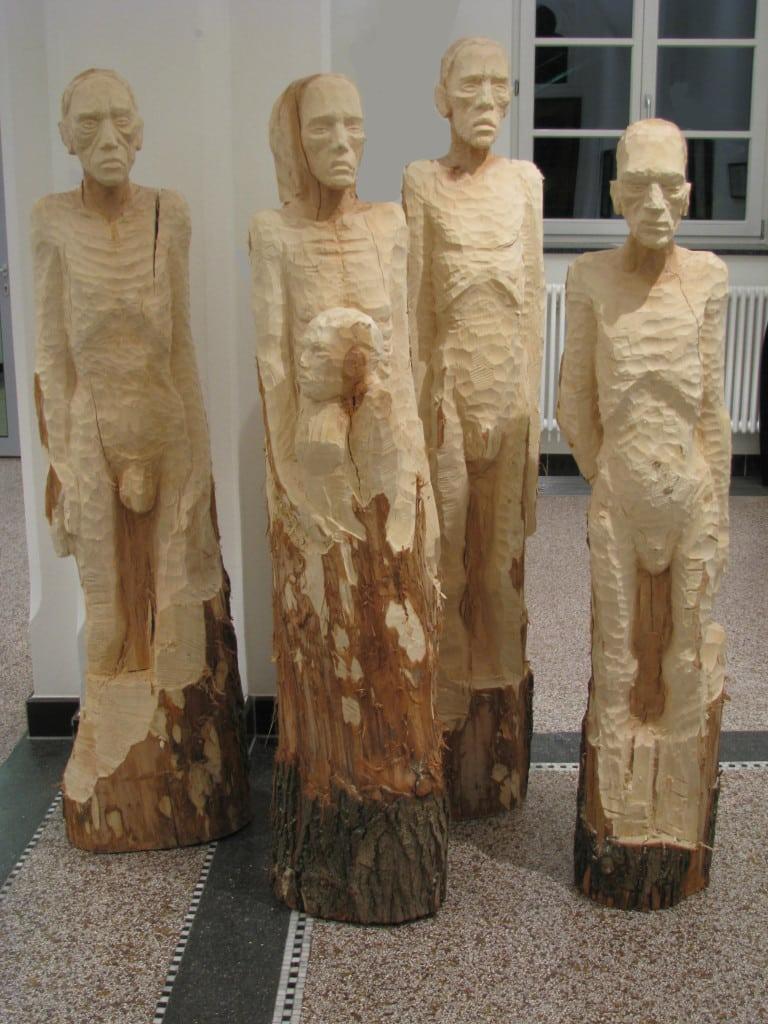 """Figurengruppe """"Die Elenden"""" Foto: Manfred Weinreich"""