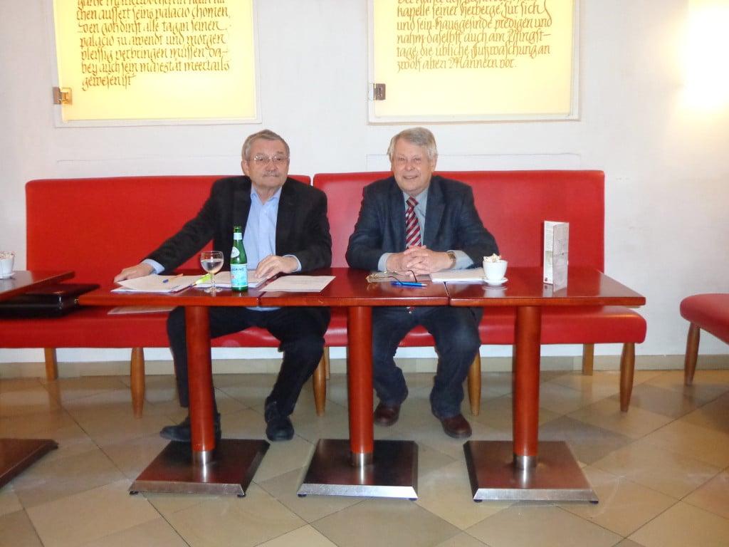 Der Mieterbund will nich Hosiana singen: Kurt Schindler und sein Stellvertreter Horst Eifler. Foto: Archiv/ as